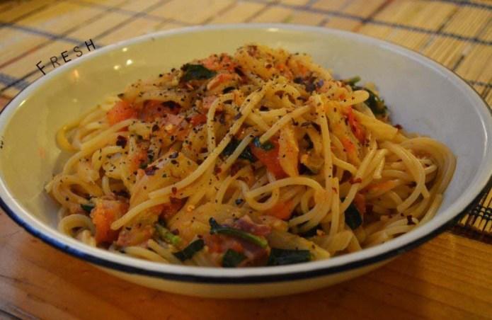 Fennel, garlic, pancetta, tomato and basil spaghetti